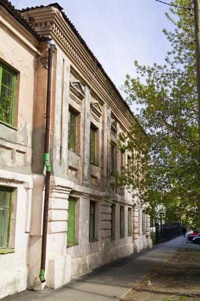 Здание городской Думы в стиле классицизма, ул.Климова, 61
