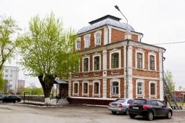 Здание ремесленной школы, ул. Куйбышева, 2
