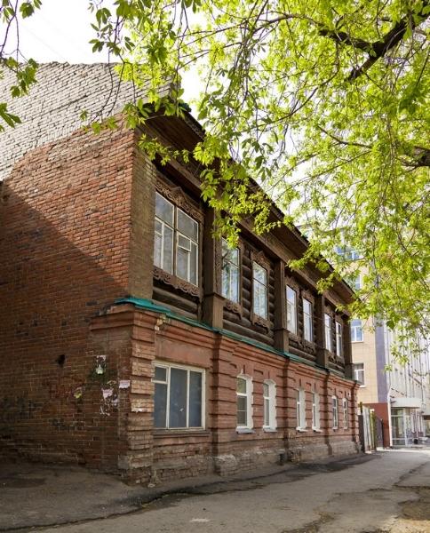 Бывший доходный дом с брандмауэром. Куйбышева, д. 32