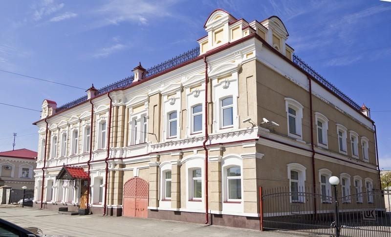 Жилой дом с магазинами купца Д.Ф.Колпакова, ул.Куйбышева, 111