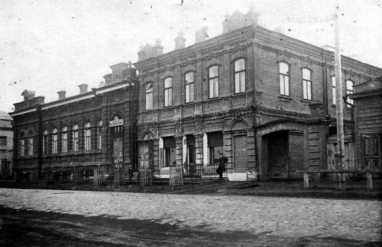 Дома купцов А.Д.Смолина и Т.Е.Колесникова, ул.Куйбышева, 117