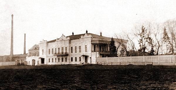 Административное здание винокуренного завода Д.И.Смолина, ул.Куйбышева, 122