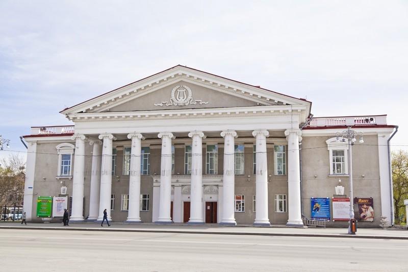 Здание Курганского государственного театра драмы