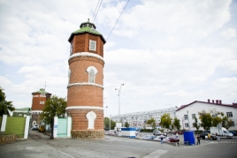 Водонапорные башни, Привокзальная площадь