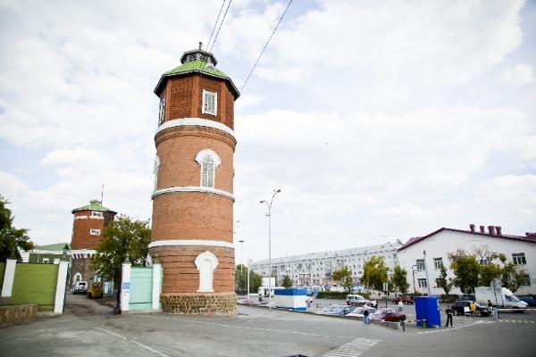 Водонапорная башня, Привокзальная площадь