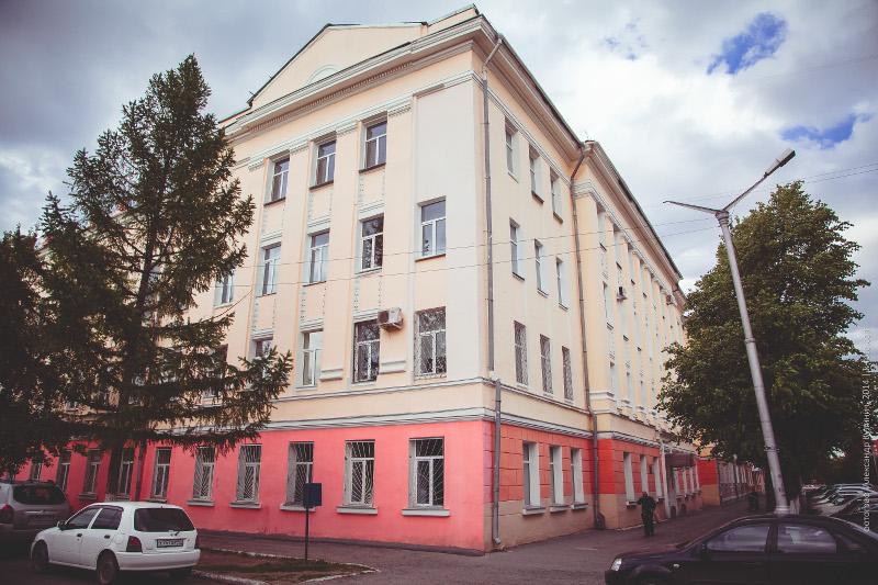 Здание учебного корпуса, ул.Пушкина, 112
