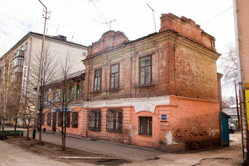 Жилой дом купца Д.Я.Соловьева, ул. Горького, 108